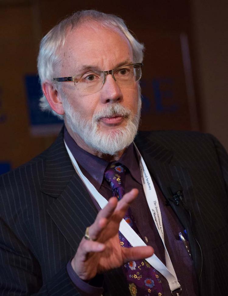 Prof. Robert G. Eccles (eccles-start-01.jpg)
